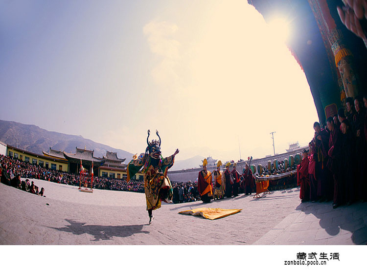 2877599620120402001454018 640 Tibetans celebrate Buddhism festival in Lhasa  China Tibet