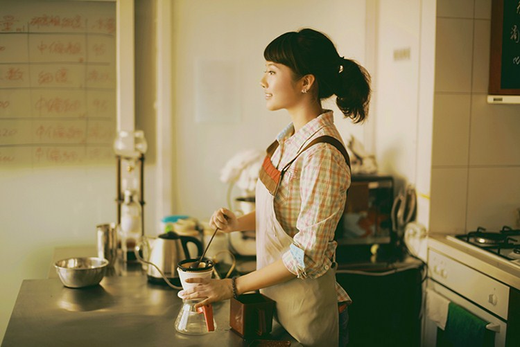 173319195201301170040522743989021374 000 640 Jane is not good at sports, but when it comes to cooking, shes excellent. Chinese girls