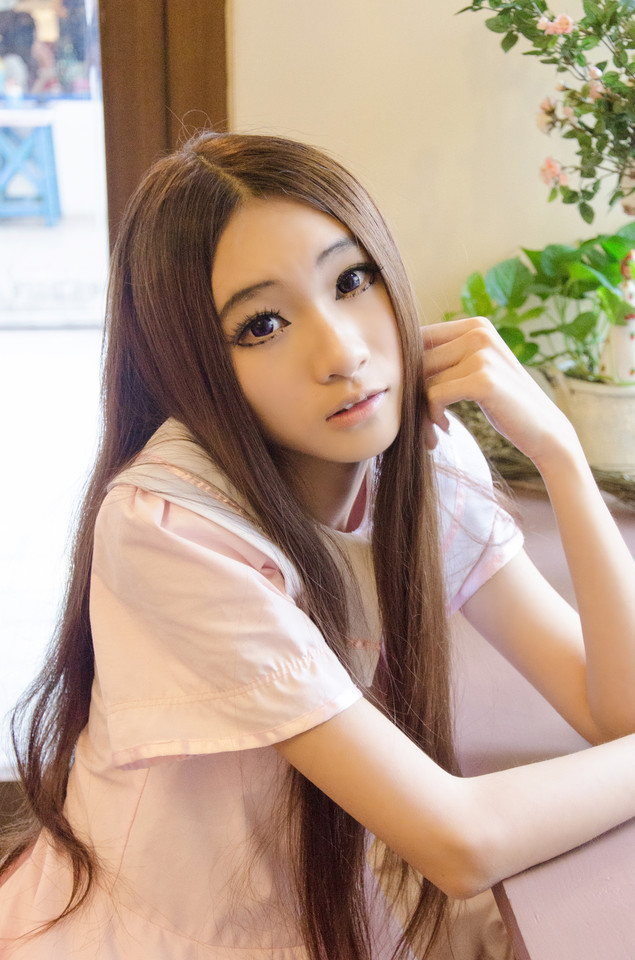 If love Looking forward to the beautiful girl of love Chinese girls